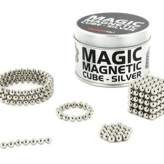 Magischer magnetischer Würfel