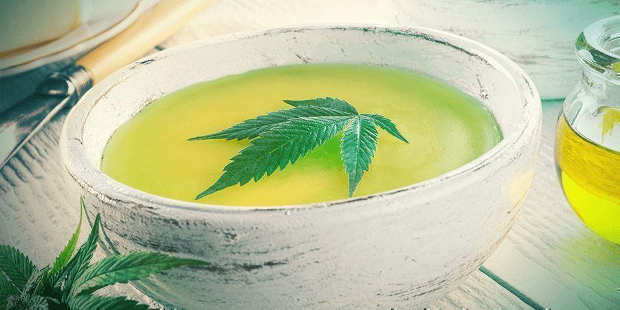 Cannabisstängeln: Cannabutter