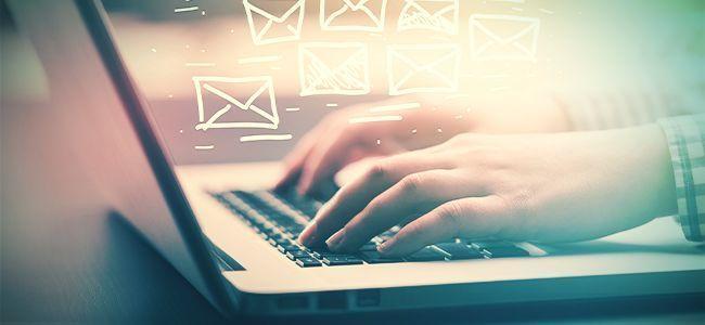 High Auf E-mails Von Der Arbeit Antworten
