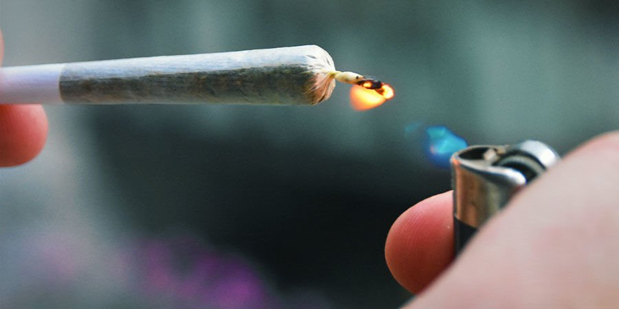 Cannabisverunreinigungen erkennen: Pass beim Anzünden von Joint, Pfeife oder Bong genau auf