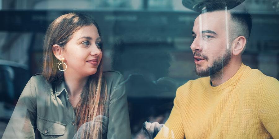 Cannabis könnte Dir helfen, Dich zu öffnen und gesprächiger zu werden