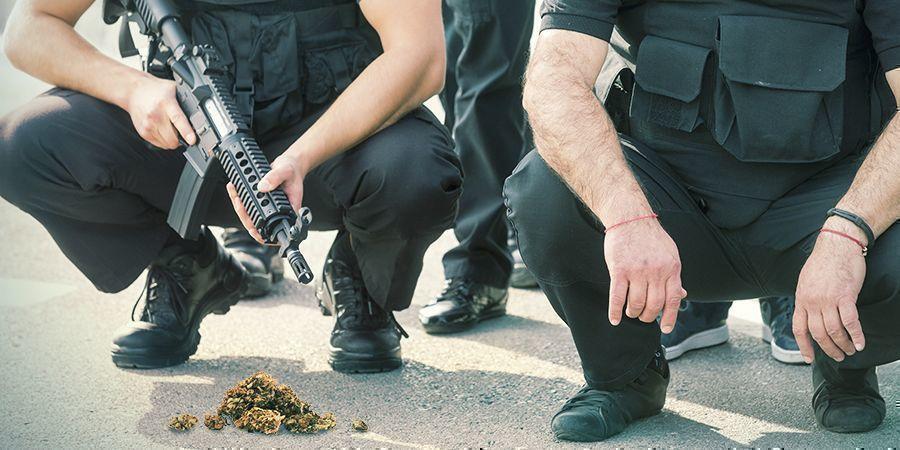 DIE ANTI-DROGEN-POLITIK IN DEN USA