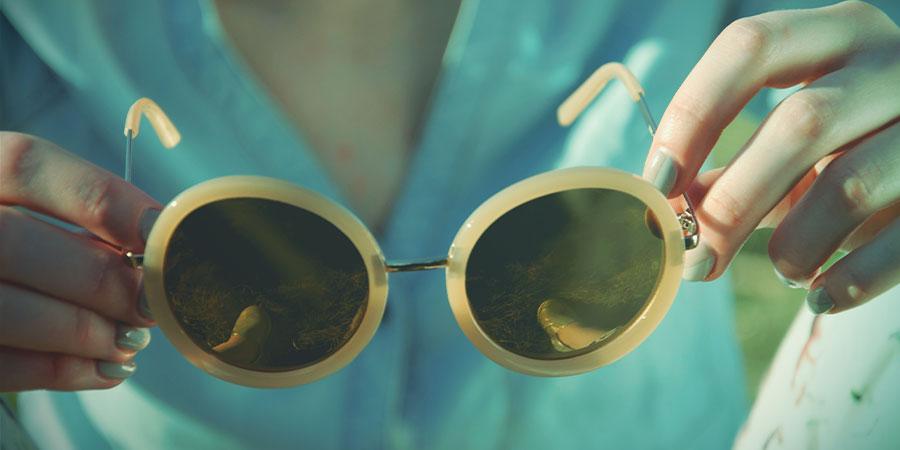 Wie Man Verbirgt, Daß Man High Ist - Trage Eine Sonnenbrille
