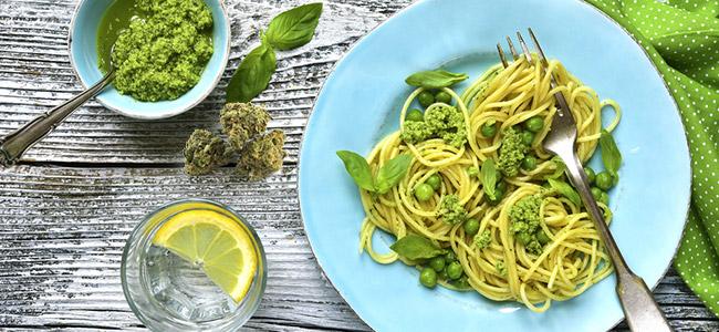 Spaghetti mit pesto und cannabis