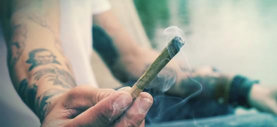 Ist Es Möglich, Vom Rauchen Oder Essen Von Cannabis Zu Halluzinieren?