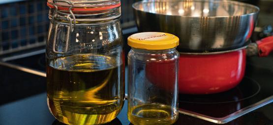 Wie Man Ein Mit Cannabis Angereichertes Massageöl Herstellt
