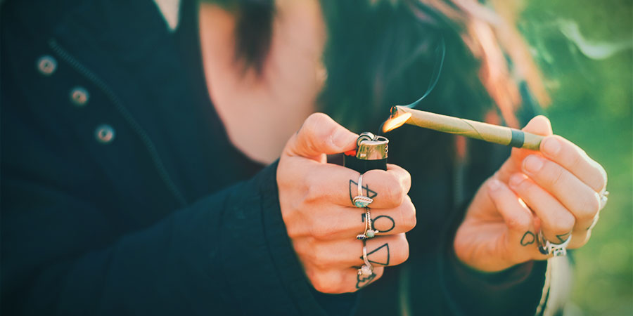 Smoke Cannabis Blunt