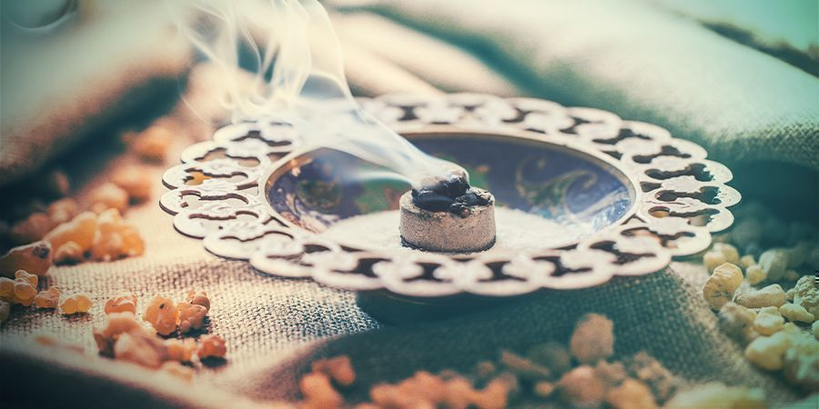 Best Place To Smoke Weed At Home - Zamnesia Blog