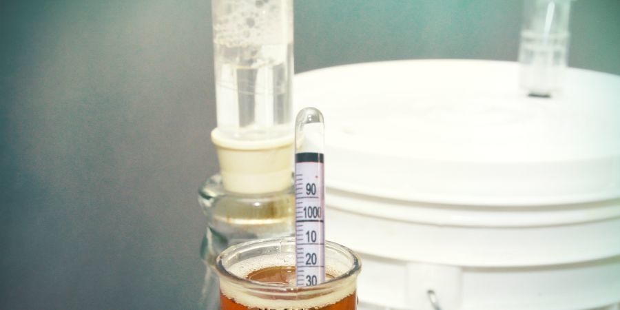 TIPS FOR AN ACCURATE HYDROMETER READING
