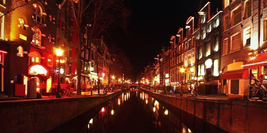 Smoke-Spots In Amsterdam: Das Rotlichtviertel