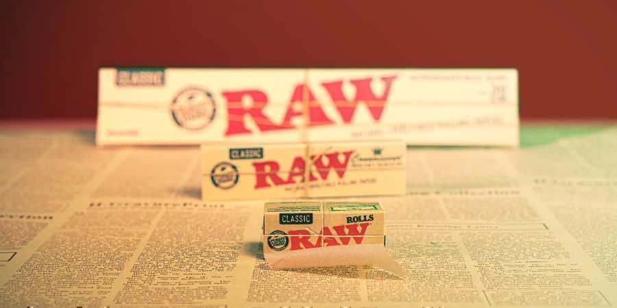 RAW ROLLING PAPERS IN SEVERAL SIZES