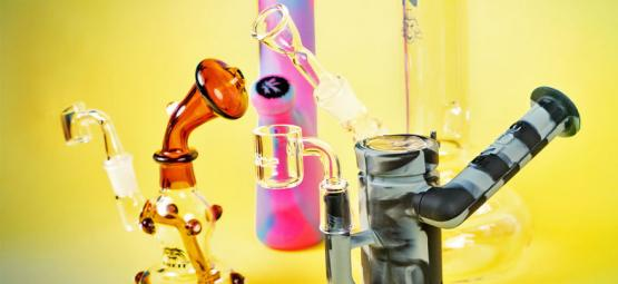 The Difference Between Bongs and Dab Rigs