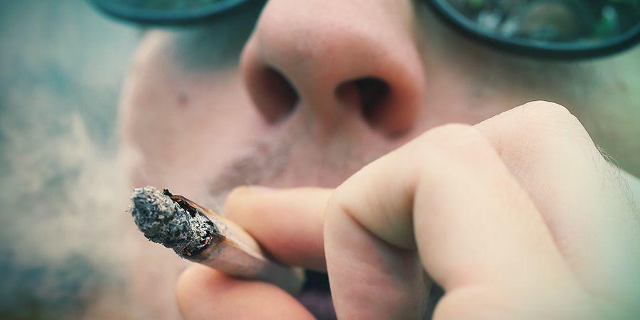 BLUE 2.O IS AS ENJOYABLE TO GROW AS SHE IS TO SMOKE