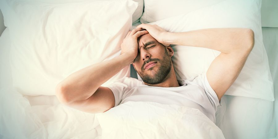 HOW TO PREVENT A HANGOVER (AS MUCH AS POSSIBLE)